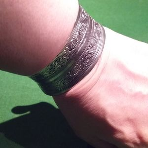 Silver antique style bangle